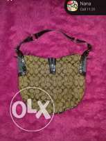 Coach authantique barley used cost 3000