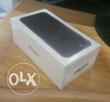 NEWW IPhone 7 32 GB Black/Face time جديد