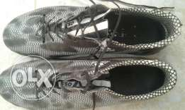 حذاء كرة قدم ...adidas...made in Germany مقاس 42