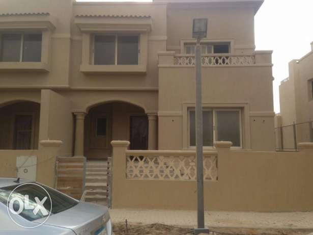 Twin house for sale in Golf views palm hills first row golf and lakes