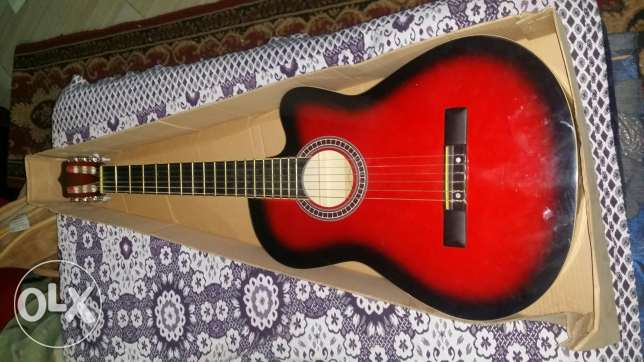 guitar classic wiht red colour الحلمية -  1