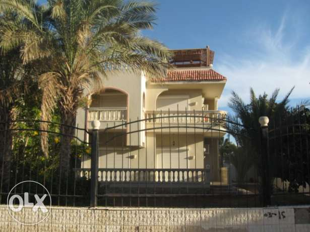 Half villa in Mubarak 7 on 1st stage, with sea view. 565 sqm, 2 floor