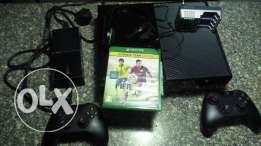 Xbox One+2controller+Fifa15+headsets-Excellent condition