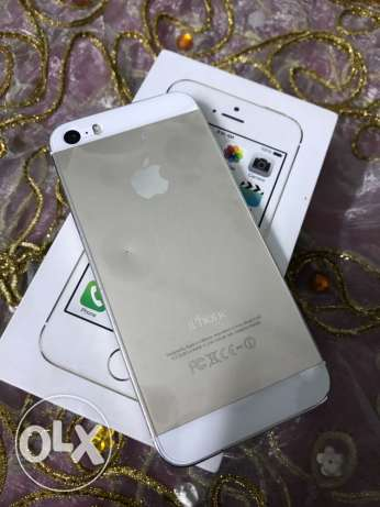 iPhone 5s 16Giga Gold international with box and all accessories