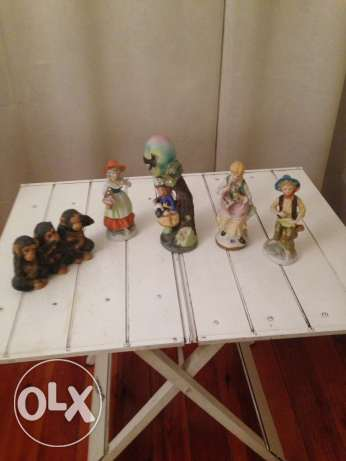 5 pieces of biscuit statues