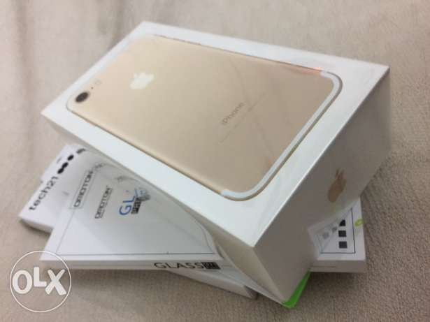 iPhone 7 Gold (256 Gb) + Case (Tech21) + Screen protection ايفون ٧ العجوزة -  5