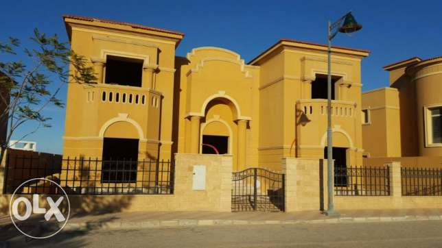 Royal Meadows : Townhouse For sale 6 أكتوبر -  5