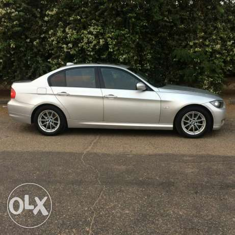 bmw e90 face left 320 شيراتون -  4