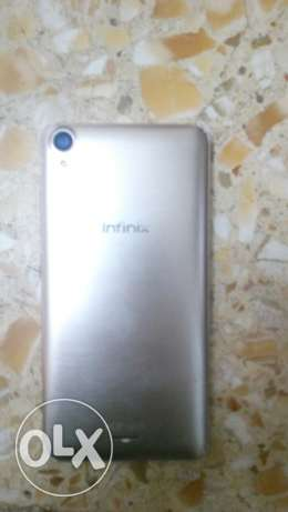 تلفون infinix hot not كامره 8 خلفي وامامي 2 وشاشه 8 بوصه ومساحه 16 جيج
