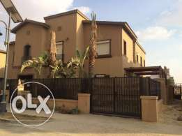 Twin house for sale in Mivida parcel 16 fully finished 310 sqm