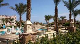 2-bedrooms Flat with private garden, sea and pool view