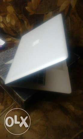 Macbook air 13 with box 2010