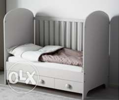 Baby crib / toddler bed