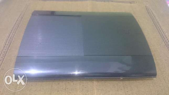 PS3 Supper Slim 500 GB + 2 Controllers