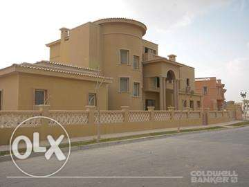Villa located in 6 October for sale 1400 m2, Palm Hills Golf Veiw