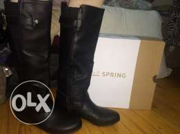Boots Used twice brand name call it spring original price 1600le