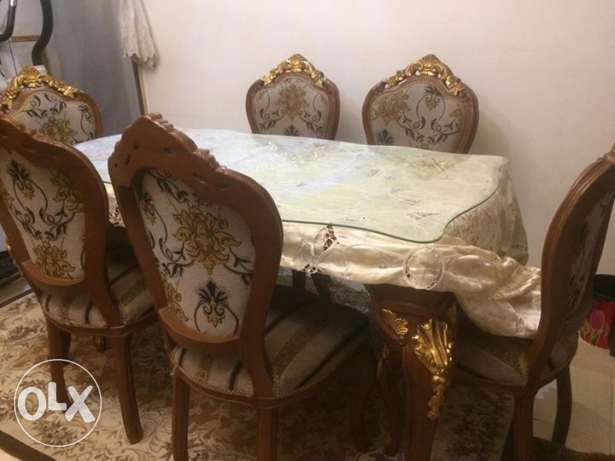 Dining and buffet set