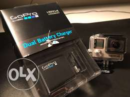Dual Battery Charger + Battery (for HERO 5/4 Black/HERO 5/4 Silver)