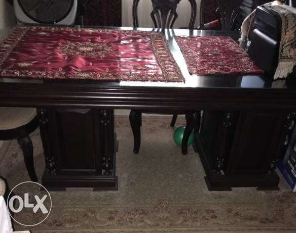 American furniture dinning table with 6 chairs