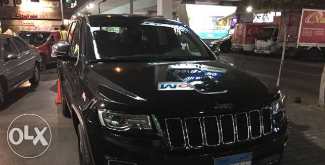 Grand Cherokee 2016 black 1200 km الزمالك -  1