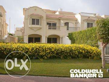 Twin-house located in New Cairo for sale 570 m2, El Patio