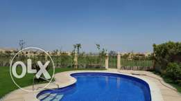 brand new villa for rent in compound Alraboa 2500$