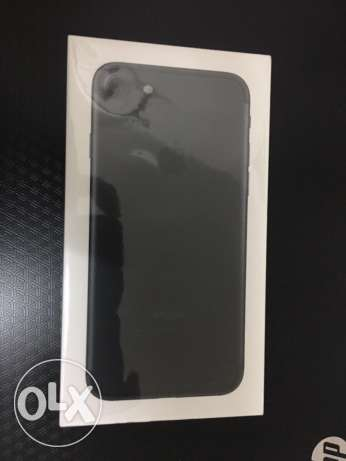 iPhone 7 plus Black 32GB new sealed from USA