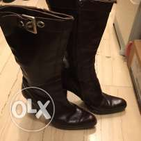 Preowned Black Boot size 37