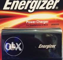 Energizer powerbank(١٠٠٠ جنيه ٣ قطع)