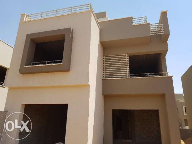 seprate villa in palm hills katameya 2 New Cairo with installments