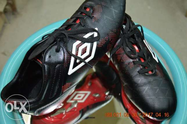 sport shoes umbro original