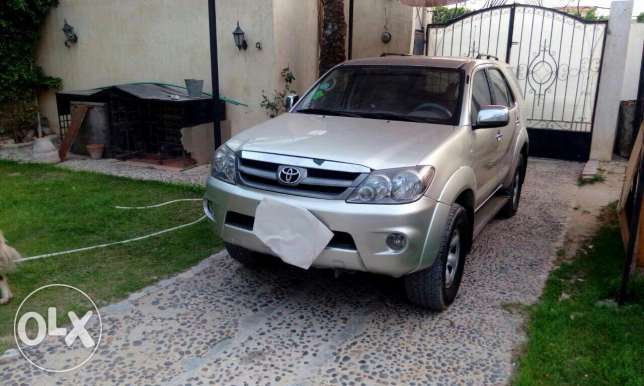 Toyota fortuner very special condition