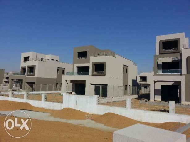 In compound pk2 - standalone 300m prime location التجمع الخامس -  8