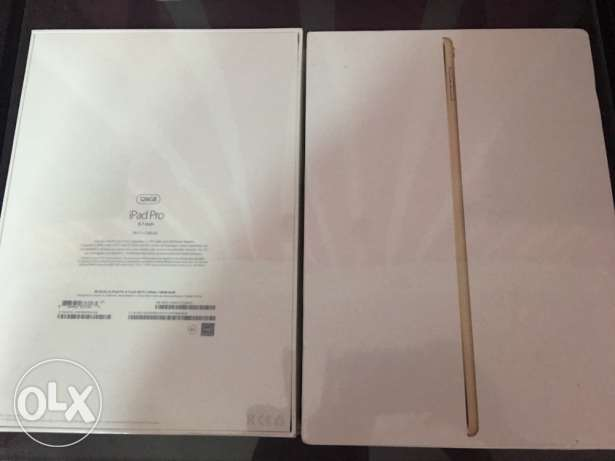 iPad pro -9.7 inch ,128 GB , WiFi , 4G LTE , Gold , FaceTime , sealed