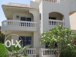 Half villa in Mubarak 7, sw. pool, 2 floors +roof
