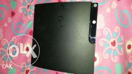 Ps3 original from dubai with 5 cd & 2 hands all orginal