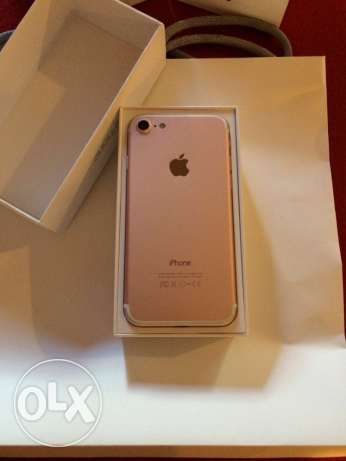 iPhone 7 32 GBs Rose Gold المهندسين -  2