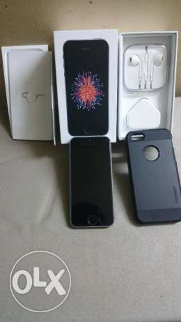 IPhone SE 64 GB Space Grey Mint Condition الهرم -  1