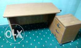 desk plus commode