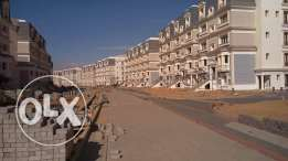 Apt 133m direct on majestic lake in MVHP very good price installments