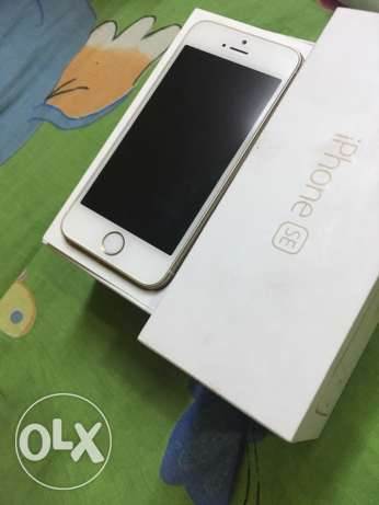iphone se 16 gold