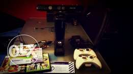 XBOX 360 new super slim 250G with kinect ,5 org games, 2cont, from NYC