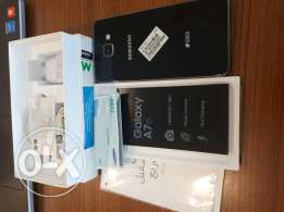 Samsung galaxy A7 2017 with warranty very good condition