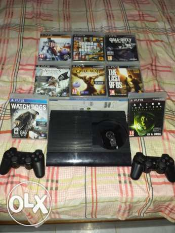 Playstation 3 Super Slim + 8 Games + 2 Controllers