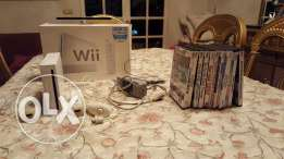 Wii cracked with 11 games and 2 remotes