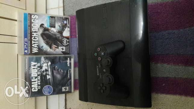 Ps3 used 500 GB with all caples and 2 video games