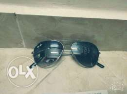 Ray_Ban black sunglasses