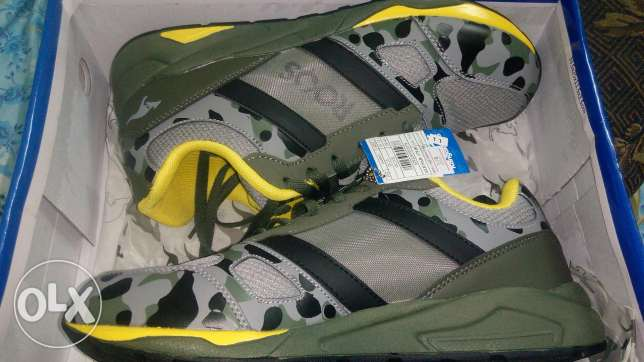 kangaroos army shoes 42