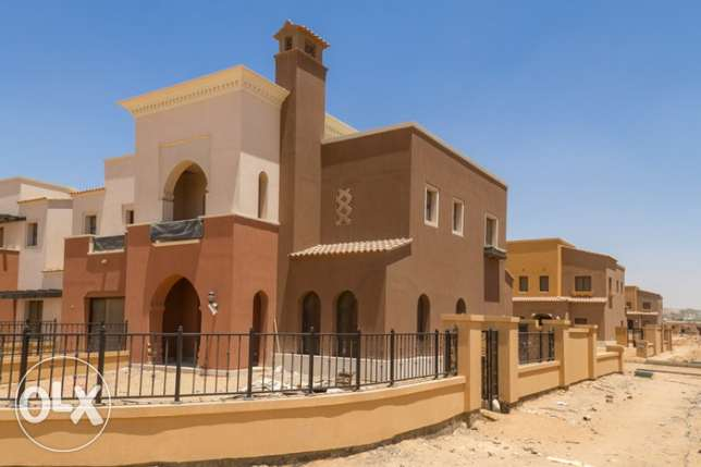 Town house corner at mivida ready to move overlooking huge landscape