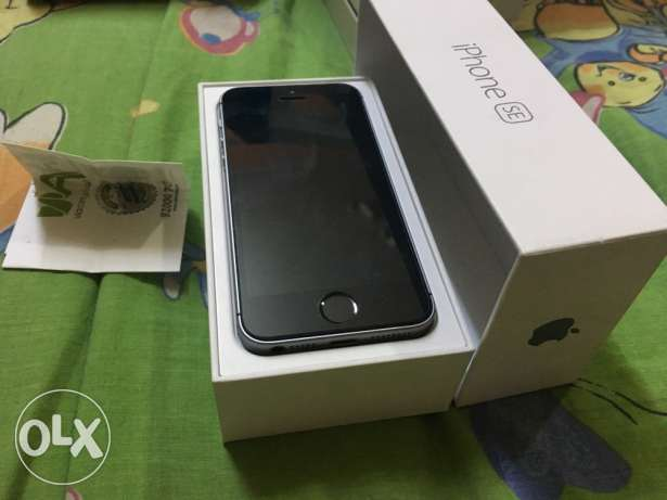 iphone se 64 gray حاله زيرروو